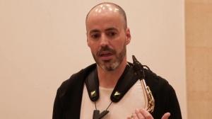 Antonio Felipe Belijar talking about material and giving different advises