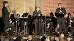 Philippe CUPER et le Choeur de clarinettes de Versailles : Bugler's holiday de Leroy Anderson